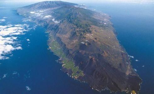 El volcán de Cumbre Vieja emite más de 900 toneladas diarias de CO2