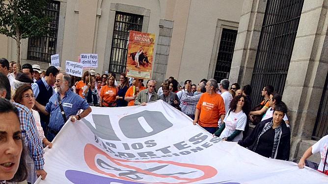 La Marea Blanca pide la dimisión de Mato y Rodríguez por su gestión de la crisis