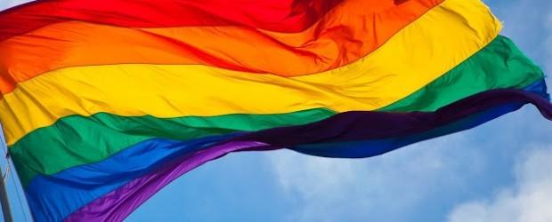 Canarias y Cataluña regulan los derechos de la población LGBTI sobre salud