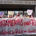 La larga historia del contagio de hepatitis C y la subordinación de los gobiernos a las multinacionales farmacéuticas