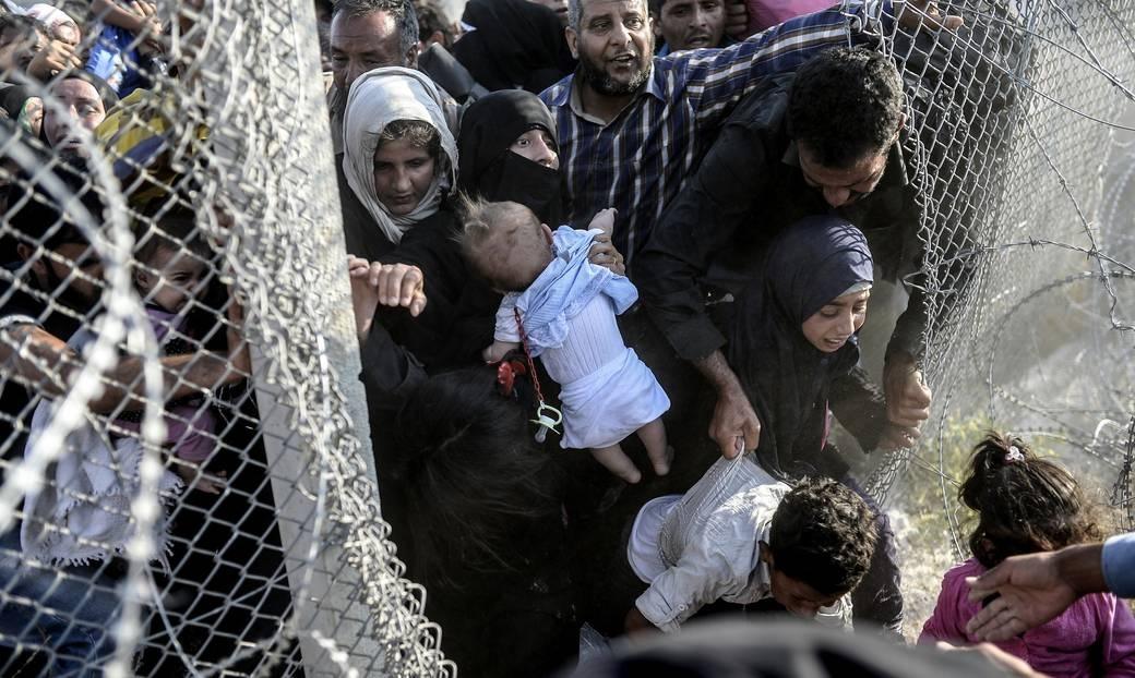 Las devoluciones ilegales y en masa de personas refugiadas sirias exponen los defectos del acuerdo entre la UE y Turquía