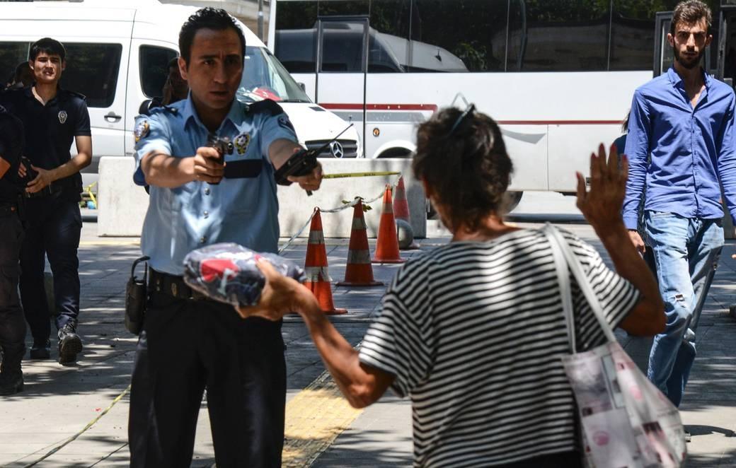 Turquía: Derechos humanos en grave peligro tras el golpe de Estado y la campaña represiva posterior