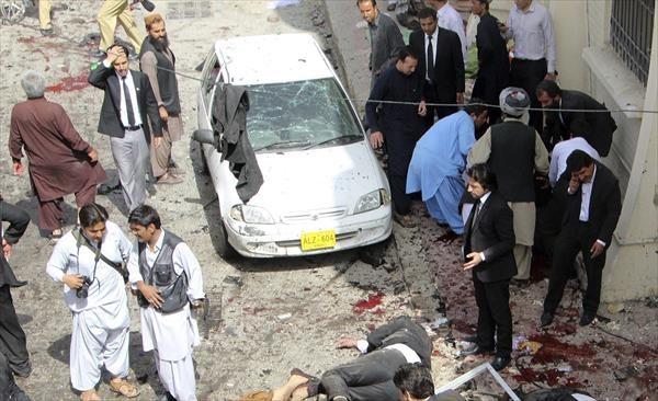 Suicida mata a al menos 53 en hospital de Quetta, Pakistán
