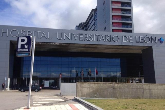 La Plataforma en defensa de la Sanidad Pública pide explicaciones por el cierre de una planta del Hospital de León