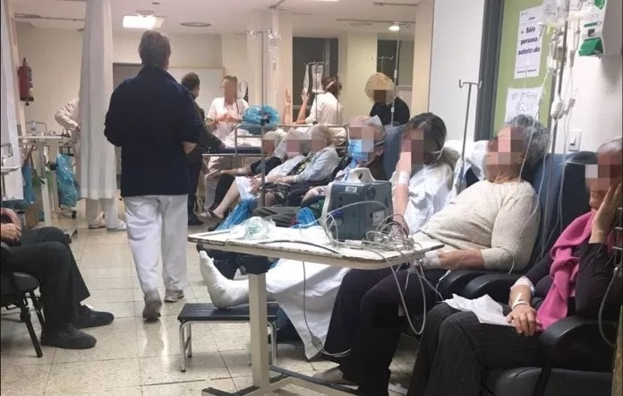 Masificados, desbordados y sin recursos: Así trabajan en las urgencias del hospital de La Paz